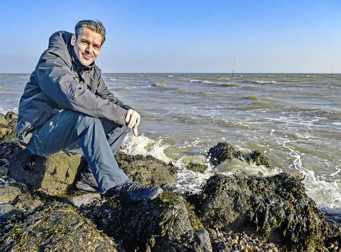 Een Noordzeedam tegen de zeespiegelstijging. NIOZ-onderzoeker Sjoerd Groeskamp: 'Niemand lachte me uit. Heel verontrustend'