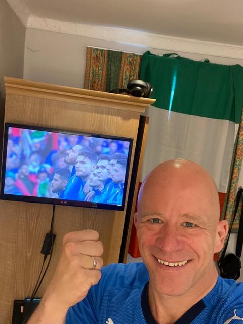 Er zat niets anders op dan de halve finale tegen Spanje te kijken in zijn hotelkamer, waar D'Onorio in quarantaine zit.