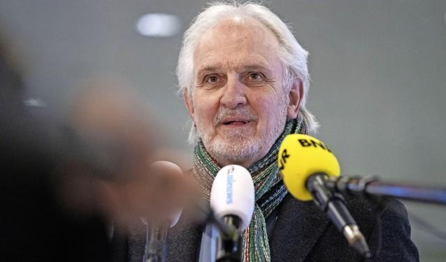 Broertjes stopt volgend jaar noodgedwongen en 'met pijn in het hart' als burgemeester van Hilversum. Donderdag begint zoektocht naar opvolger [video]