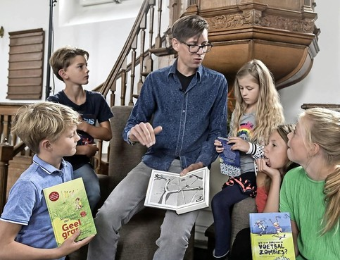 Na 'College Tour' met Gouden Griffel-winnaar Simon van der Geest zijn West-Friese schrijftalenten nu zelf aan zet