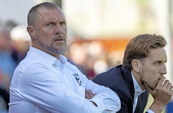 Trainer John de Wolf vertrekt na dit seizoen bij Spakenburg: 'Een kwestie van gevoel'