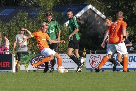 Onfortuinlijke voetballer Stefan Dol: 'Mijn voet stond naast mijn been, daar heb ik niet meer naar gekeken.'