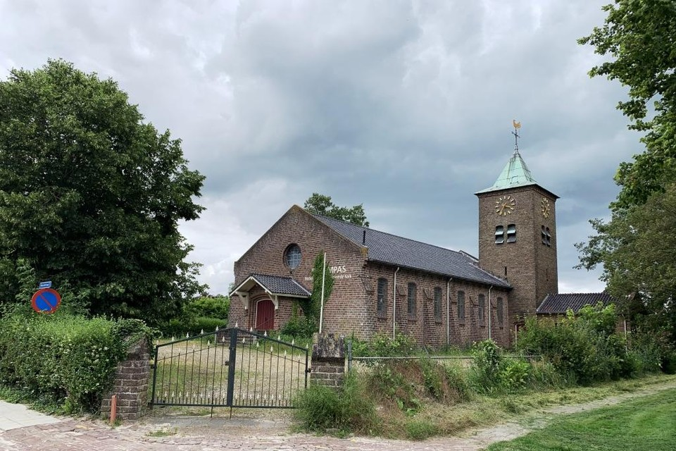 De Kompaskerk in Wieringerwerf waar woningen in komen.