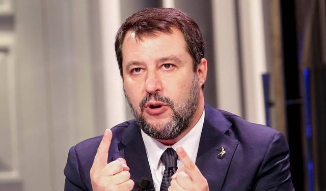 Blanco boek over rechtse politicus Salvini bestseller in Italië