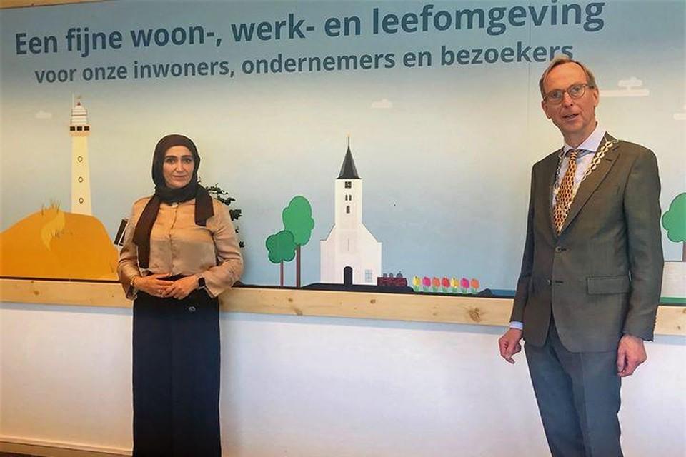 Waarnemend burgemeester Gerrit Goedhart van Uitgeest heeft Yeter Akin tijdens een ontmoeting excuses aangeboden voor discriminerende uitlatingen en andere beledigende opmerkingen van Uitgeesters over haar op sociale media.
