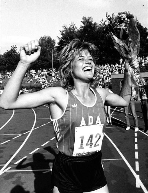 Olga Commandeur na het behalen van haar olympische limiet op de 400 meter horden tijdens de Fanny Blankers-Koen Games.