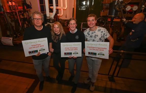 Dubbele winst voor vrijwilligers JoMeGiNi en ook pleegouders Tom en Alinda Kramer in de prijzen
