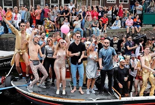 Pride Amsterdam eert zijn helden