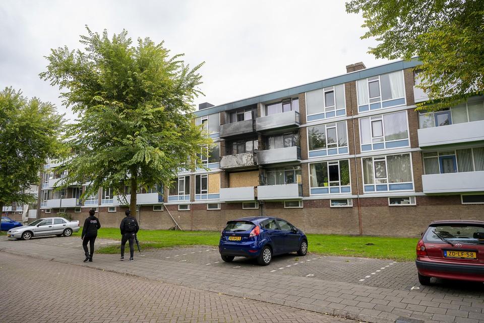 De brand vond plaats op de eerste verdieping van het flatgebouw in Wormerveer.