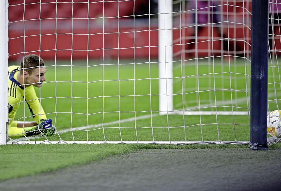 Kjell Scherpen na doelpunt van Lorenzo Pellegrini.