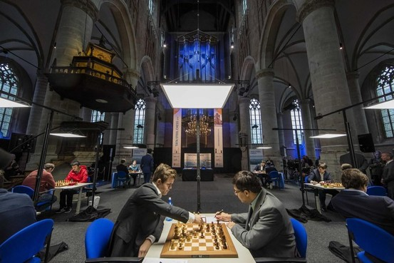 Tata Steel Chess Tournament op bezoek in PSV Stadion