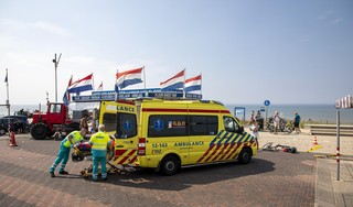 Twee gewonden bij botsing op boulevard in Zandvoort