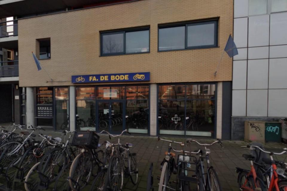 De fietsenwinkel aan de Schapenkamp.