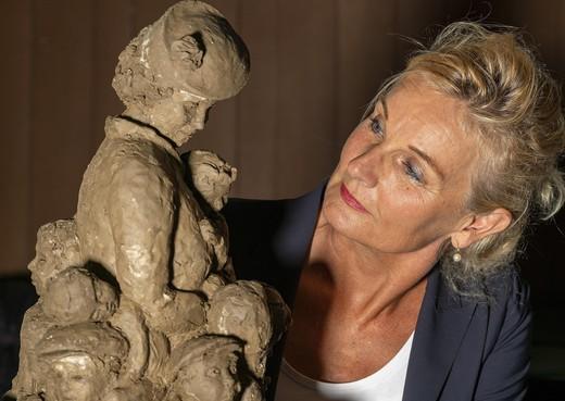 Maakster beeld Truus Wijsmuller: 'Wat een vrouw, wat een verhaal'