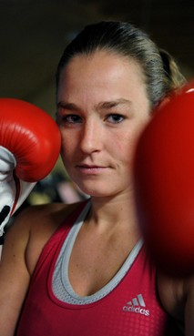 Helderse kickboksster Jorina Baars incasseert in Peking eerste nederlaag in vijftig partijen door dubieuze beslissing jury: 'Had ik haar maar neer moeten slaan'