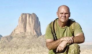 Gezin in Bennebroek in rouw na moord op vader Rory Young (48). Zijn strijd voor olifanten kostte hem zijn leven [video]