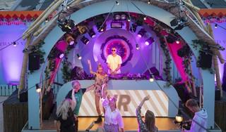 Intiem feestje bij Paal 17 op Texel met dj Nicky Romero achter de draaitafel