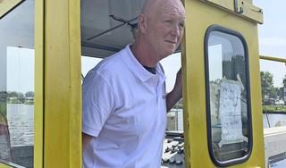 Ferry Nat - ja echt - is al 35 jaar pontwachter: 'Frans Molenaar vroeg of ik als model voor 'm wilde werken'