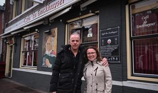 Dirk en Nathalie Kaspers verlaten na 31 jaar café De Enckhuyser. 'Niet nog één keer flink knallen, dat doet pijn'