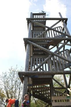 Meer dan tweeduizend handtekeningen voor behoud uitkijktoren op Kruisberg
