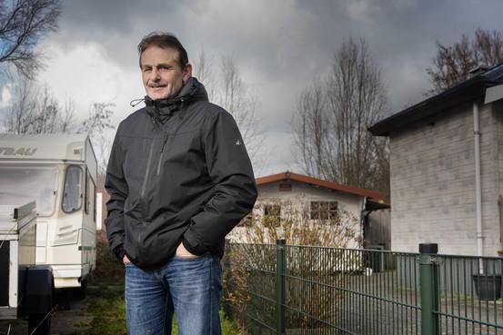 Wil de gemeente van het woonwagenkamp in De Schooten af? De bewoners vrezen er voor. 'Ze zijn ons gewoon aan het sarren'