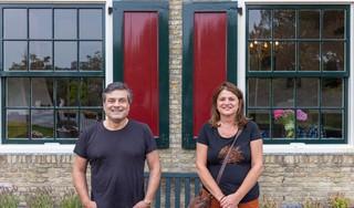 'Dit is het', dacht Jacques Laureys meteen. Samen met Martine van Seters brengt hij weer leven in de brouwerij bij Het Poorthuis naast meelmolen De Herder in Medemblik