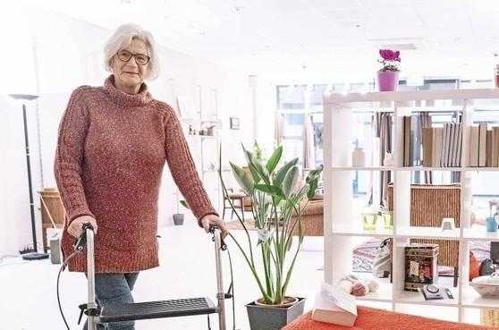 Zorgorganisatie Omring zat achter de opvallende actie van 'Oma Jo'. Ze is nu vertrokken uit de etalage in de Kroonpassage in Den Helder