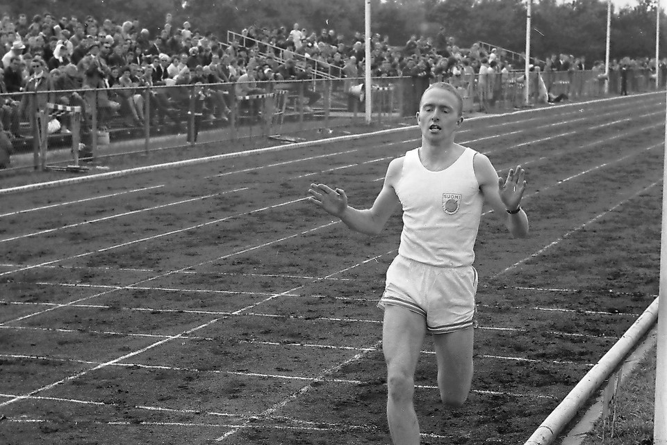 In Beverwijk werd Ton Blok in 1962 Nederlands jeugdkampioen op de 1.500 meter.