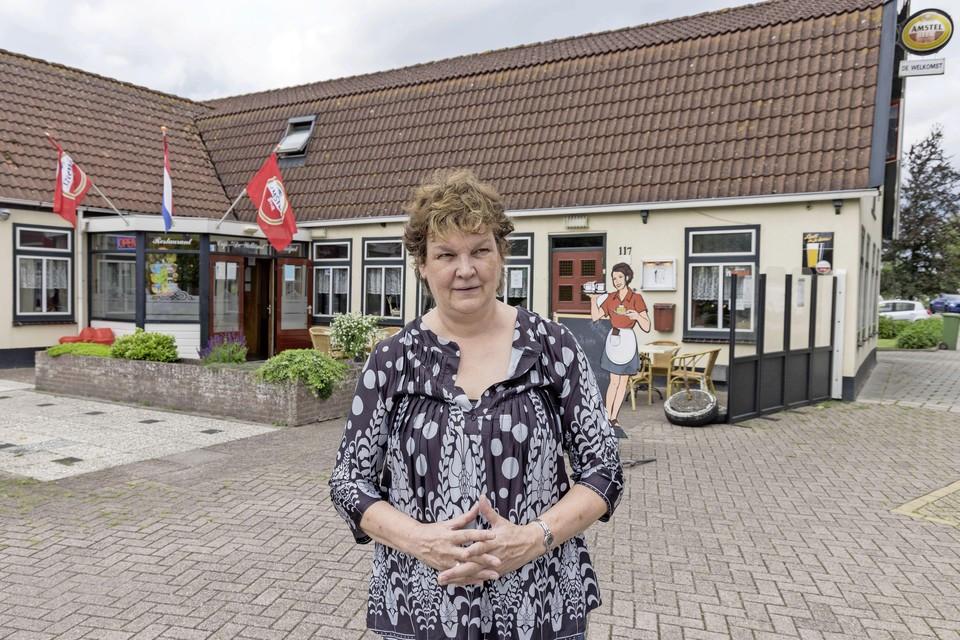 Wilma van Eerden voor haar zaak.