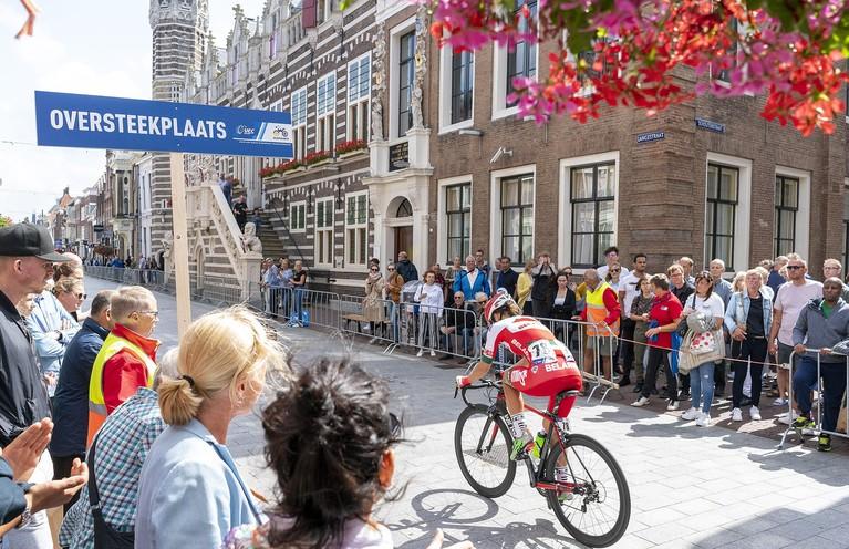 Alkmaar geniet volop van EK-wielrennen: 'Wat is dit leuk, hè?'