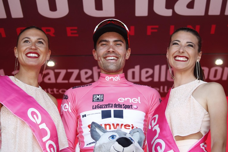 Toen er op 20 mei nog wél gesport werd: 'Dit is shit!', zegt Tom Dumoulin in stressvolle week in de Giro [video]