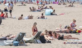Advies zeevissers: 'Sterke stroming aan het strand? Kijk wat minder naar je mobieltje en wat meer naar je kind in zee'