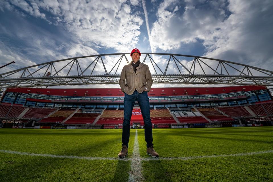 Robert Eenhoorn in het 'nieuwe' stadion: 'Het plaatsen van de stadionboog echt een besefmoment.'
