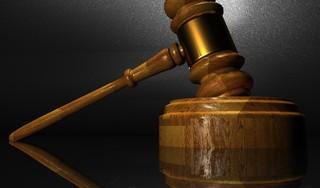 Zaanse (55) krijgt werkstraf en cel na tien jaar bijstandsfraude