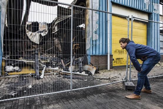 Ontwerper Jan Gunneweg is álles kwijt na brand in Alkmaar maar hij zit niet bij de pakken neer en ziet het als een nieuwe start