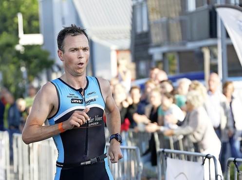 Plek twee geeft in triatlon Schagen, waar Vooren en Olij weer oppermachtig zijn, ook een gevoel van winnen