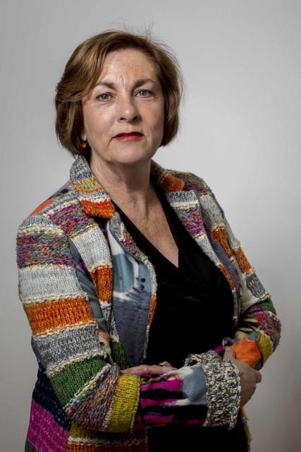 Raadslid Anneriek Verhoef uit Landsmeer maakt zich zorgen over de vertraging van de komst van snel internet in het buitengebied.