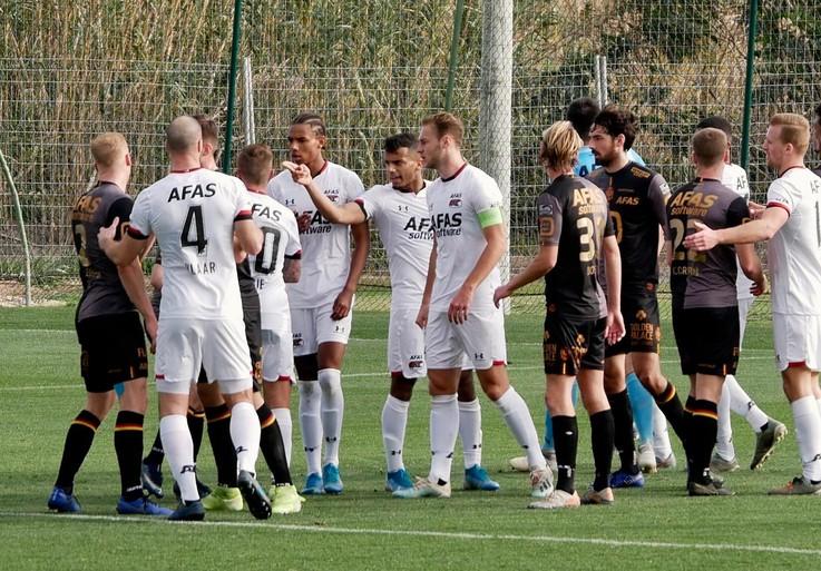 AZ stormt over het veld tegen KV Mechelen en geeft een masterclass van een uur (5-1) [video]