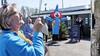 De nieuwe vlag in top. Burgemeester Sebastiaan Nieuwland opent zomerseizoen zwembad De Zien in Uitgeest