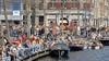 Haarlem sluit Damstraat af en verbiedt in wijde omgeving verkoop van alcohol met het doel de menigte te verspreiden