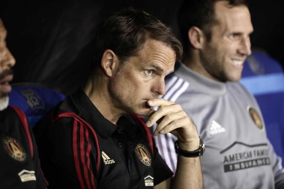 Frank de Boer heeft wijze lessen voor zijn 'schoonzoon' Calvin Stengs: 'Laat je niet afleiden. Ik had me in Spanje meer op het voetbal moeten focussen'
