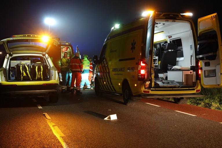 Lichaam gevonden in auto die te water is geraakt op Huygendijk in Oterleek [video]