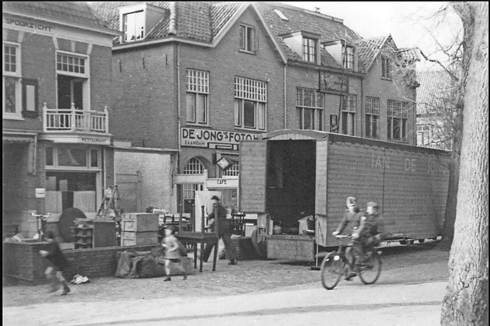 Evacuatie familie de Lange (Hotel Spoorzicht Breelaan), 1943.