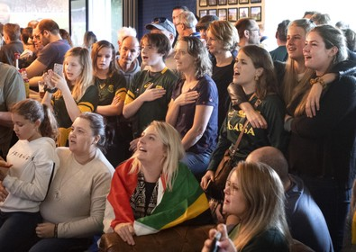 WK-rugby kijk je als Zuid-Afrikaanse expat met 'juggie bier' bij RFC Haarlem