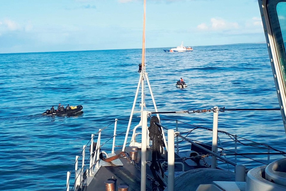 De lichamen van de twee Urker bemanningsleden werden zondag aangetroffen in de stuurhut van de gezonken kotter.