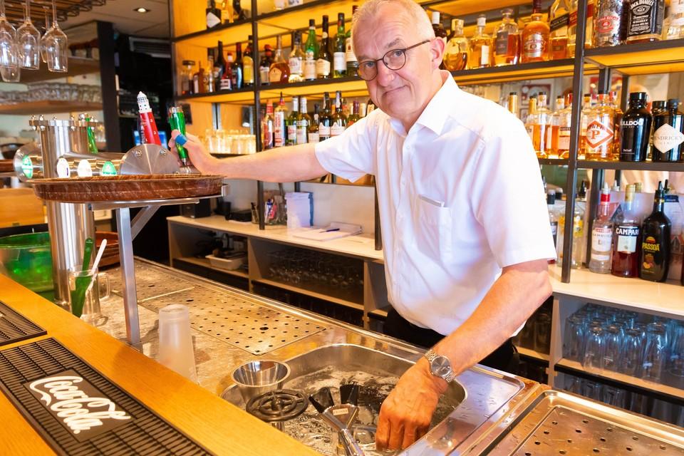 André van den Hogen van het gelijknamige restaurant gaat niet controleren.