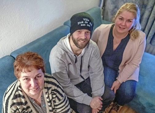 Van Maastricht naar Den Helder wandelen voor behandeling in Moskou van de ernstig zieke buurvrouw, dat is nog eens burenliefde [video]