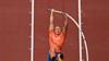 Vloon springt met de polsstok naar olympische finale. 'Ik ben heel tevreden'
