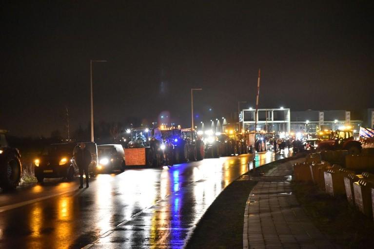 A9 weer open na afsluiting door politie in verband met boerenprotest