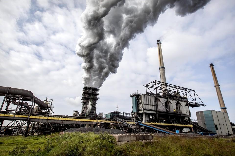 Niemand weet precies wat er bij Tata Steel de lucht in gaat. Omwonenden trekken de beurs voor een precieze, onafhankelijke meting.